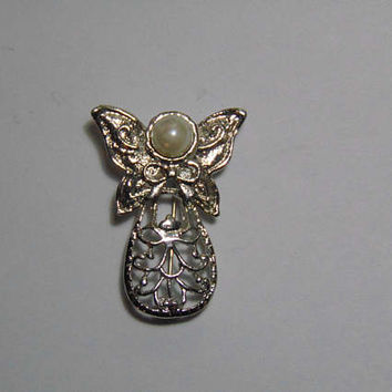 Silver tone Angel with Butterfly Wings with faux Pearl for Head Brooch Pin Lapel