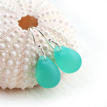 Drop earrings, Seaglass Teal earrings, Seafoam green, Teardrop earrings, Briolettes, Beach Earrings, Simple, Minimal dangle earrings