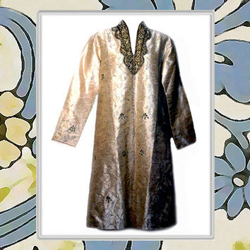 Vintage India Silk Kurti / Tunic / Lounge Wear with Embroidery & Beading in Creamy Pearl Fabric 1970's - Fits Size Large to XLarge