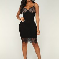 She's A Sweetheart Midi Dress - Black