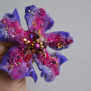 Felt Flower Pin Purple Brooch with Pink Golden Beads,Floral Corsage Pin, Felt Brooch,Felted Wool Flower,Handmade Art Pin, Embroidered Flower