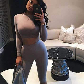 2017 Casual Women Two Piece Outfits Jumpsuits Long Sleeve Bodycon 2 Piece Set Crop Top+Calf-Length Pants Sexy Rompers Playsuit