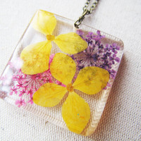 Dried Hydrangea Necklace, Pressed flower Necklace, Queen Annes Flower, plant botanical necklace, real flower jewelry, clear resin necklace