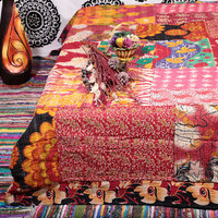 Reversible Queen Quilt , Vintage Sari Kantha Patchwork Quilt Throw Blanket , Indian quilt , Floral Gudri Ralli Bedspread Bed Cover Throw