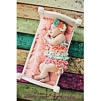 White Newborn Baby Bed Poser - PRG98126