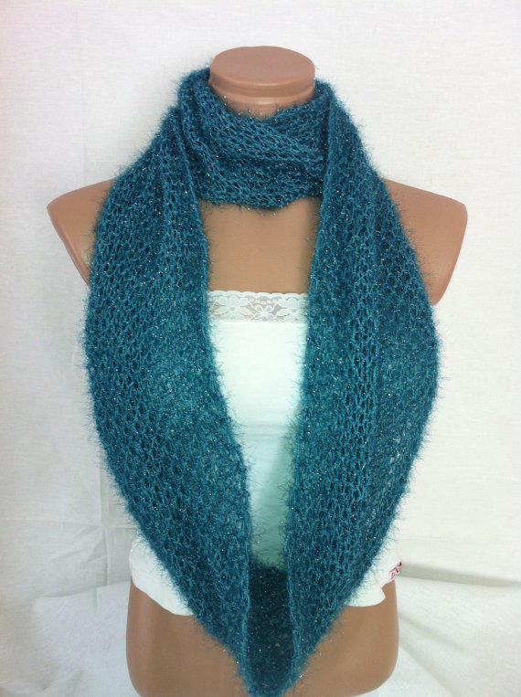 Teal green hand knitted infinity scarf by Arzus on Etsy