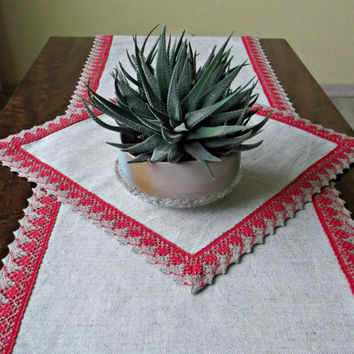 Light Christmas table runner and placemat with red lace edging Holiday home decor Linen table runner Eco friendly table linens 63 '' , 14 ''
