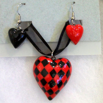 Red & Black Checker Heart Jewelry Set (Necklace/Earrings) - Handpainted Polymer Clay - Queen of Hearts - Halloween, Costume, Cosplay - Women