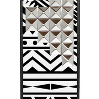 Tribal Silver Studded Pyramid iPhone 5/5s Case
