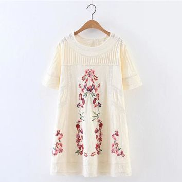 Fashion Women Lace Patchwork Floral Embroidery Dress O Neck Short Sleeve Linen White Summer Dress Mini vestidos 2017 SDP8209