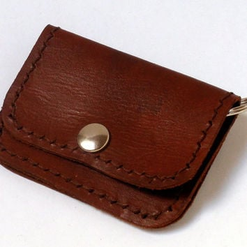 Small coin purse with 2 pockets and key ring, brown