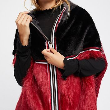 Cross Line Rebel Faux Fur Cape
