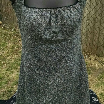 90s VINTAGE Grey Floral Baby Doll Dress Ruffle Top and Cute Sleeves Short A-line Bottom Womens Fashion Outfit Grunge Goth Punk Rock Sz. 3/4