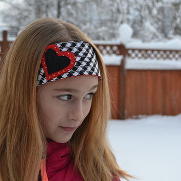 Hounds tooth Heart Headband, fits tween girls teens adults red white hearts cotton black checkered plaid fabric fleece applique Mod Kitschy