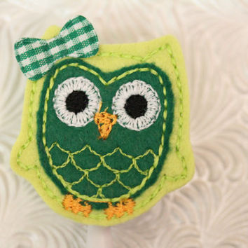 Green and lime owl - felt badge reel -  nurse badge holder - retractable - badge reel - badge clip - name badge holder - pediatric - NICU