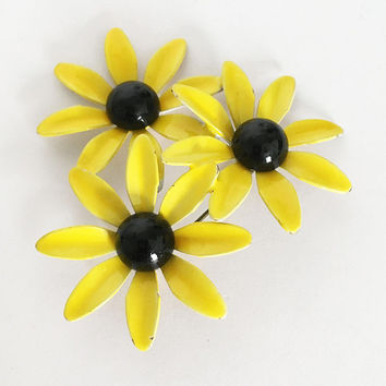 Yellow Brown Vintage 1960s 1970s Flower Power Brooch Black Eyed Susans Enamel Flower Pin Mod Floral Bouquet Daisy Jewelry