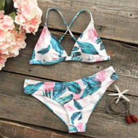 Leaves Printed Halter Padding Bikini Set Swimsuit Bathing Suit
