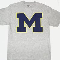 "University of Michigan Wolverines Majestic ""M"" T Shirt Size L"