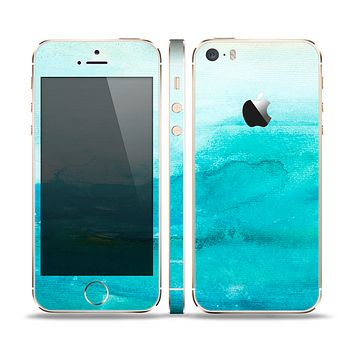 The Grungy Blue Watercolor Surface Skin Set for the Apple iPhone 5s