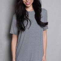 Tres Bien Striped Crew Neck Tunic Tee T-Shirt Top With Short Sleeves - Black & White