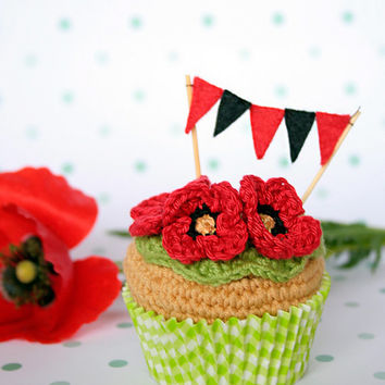 Poppy, crochet cupcake. With optional gift box. [Spring collection]
