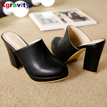 Hot Sales Lady Round Toe Lady Platform High Heel Slippers Fashion Woman Clogs Lady Casual Sandals Black Size 35-40 B026