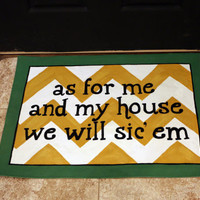 "Baylor Chevron canvas floormat with phrase ""As for me and my house we will Sic 'em"""