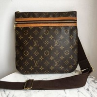 DCCKG2C Louis Vuitton 'Bosphore' Crossbody
