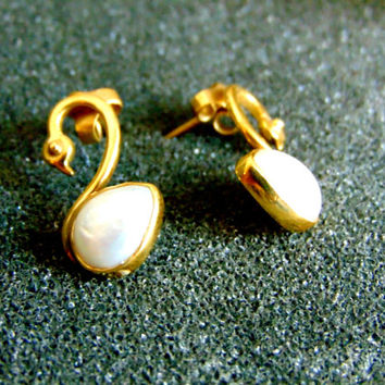 Stunning 18k gold swan earrings-Solid 18k gold and pearl earrings-Swan gold earrings-Women's vintage gold earrings-Artisan jewelry-Greek art