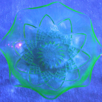 Vintage Hazel Atlas Green Vaseline Depression Glass Bowl Dish Diamond