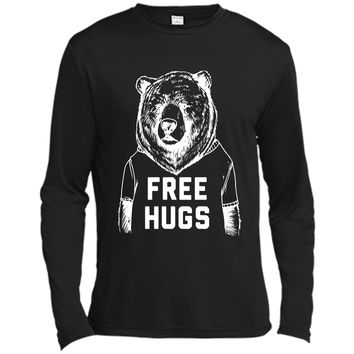 Bear free hugs - cute t-shirt