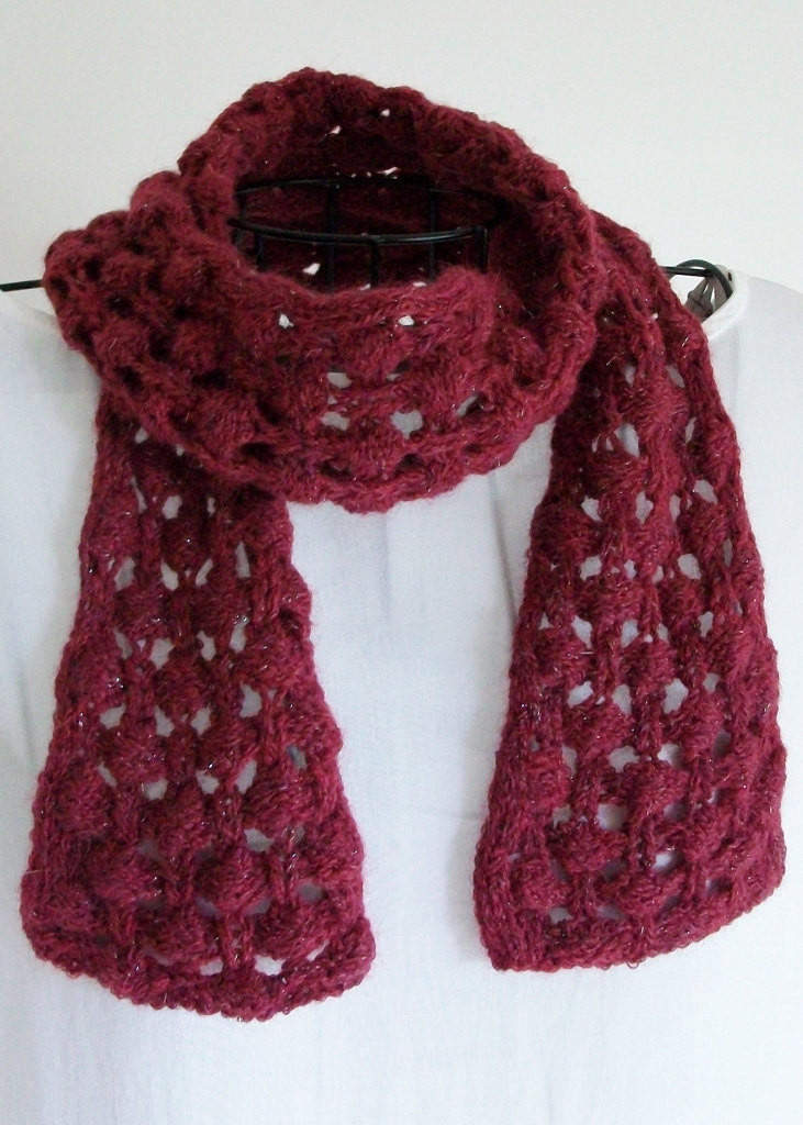 Bobble Lace Scarf Pattern Briar Berry from Bluestockinette