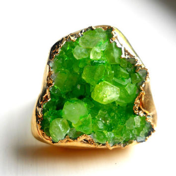 Neon lime green druzy ring - Gold-dipped - Crystal quartz - Size 8