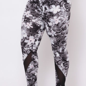 Plus Size Floral Print Yoga Leggings - Black Print