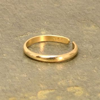 Dainty 14/20 Gold Filled Toe Ring with Elegant Half Round Design and Polished Finish