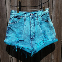"27"" - High Waisted Denim Shorts - Wrangler"