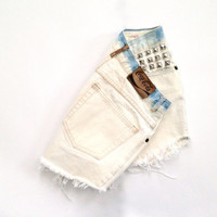 Coca-Cola, High Waisted Levis Shorts - SIZE US 4-6