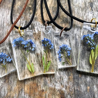 preserved forget-me-nots resin pendant necklace