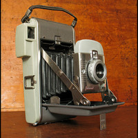 Super Vintage Polaroid Model 80 from the 1950s with Free Domestic Shipping