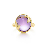 Tiffany & Co. - Paloma Picasso® Olive Leaf ring in 18k gold with an amethyst.