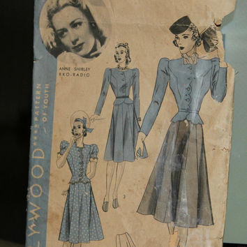 Vintage 40's Hollywood Sewing Pattern #1851 Anne Shirley for 2 Piece Frock Size 16/Bust 34/Hip 37 , 40's Dress Pattern