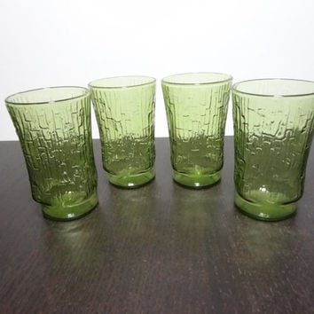 Vintage Pagoda Avocado Green Juice Glasses with Tree Bark or Bamboo Pattern - Anchor Hocking - Set of 4 - Mid Century Modern