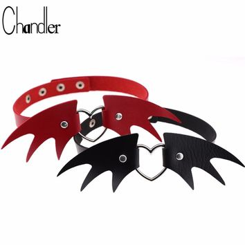 Chandler Fashion Black Bat Choker Necklace Cool Punk Goth Angel Wing Love Short PU Leather Colier Cool Women Halloween Jewelry