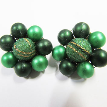 Vintage Green Bead Cluster Clip on Earrings