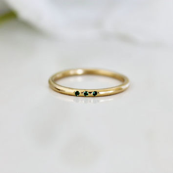 HOLIDAY SALE - triple gemstone ring,green onyx ring,gold stacking ring,vintage ring,18k gold ring,diamonds ring