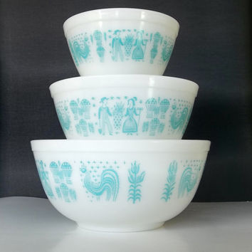 Pyrex Turquoise Butterprint Nesting Bowls - Set of 3 Mixing Bowls