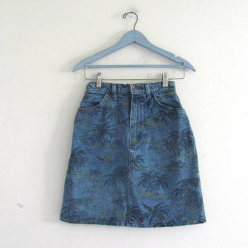 20% OFF STOREWIDE. 80s jean skirt / high waisted skirt / mini skirt with palm tree