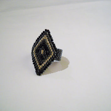 Black Grey Ring with Diamond Shape, Miyuki Delica, Peyote Ring, Seed Bead Ring, Glass Beads, Diamond Shape Ring, Beadwoven Ring, Beaded Ring