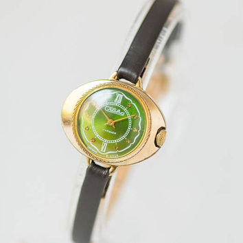 Oval women watch green, gold plated lady's wristwatch small, modern ladies watch Glory, posh watch for lady, premium leather strap new