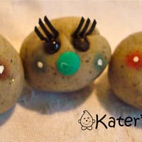 GIRL Pet ROCK with EYELASHES - Polymer Clay Pet Rock Figurine